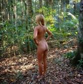 Mulher viaja nua pela Austrália e publica fotos no Instagram