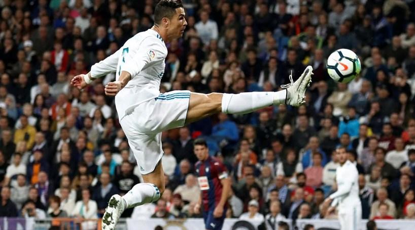 e3184aa611 Real Madrid vence Eibar
