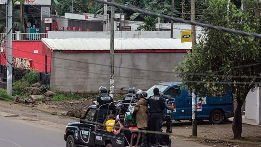 Tumultos nos Camarões