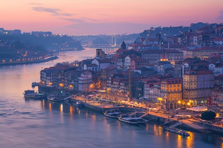 Vista do Porto, na margem do Rio Douro