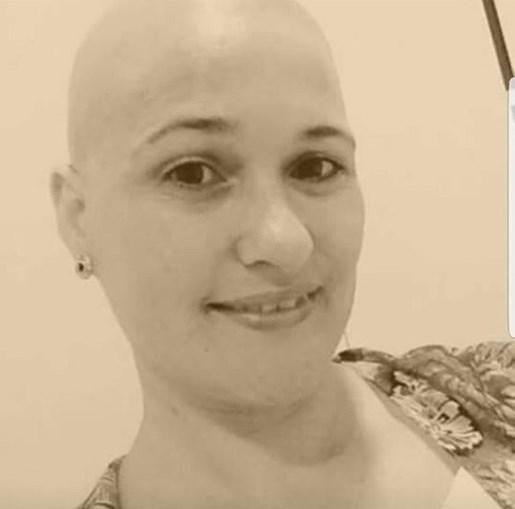 Daniela dizia sofrer de um cancro que tinha começado no útero e depois se tinha estendido aos pulmões