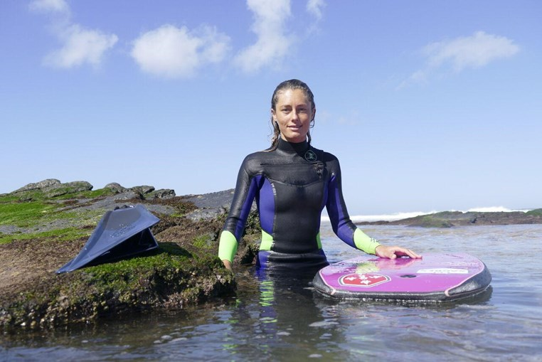 A campeã de Bodyboard Joana Schenker