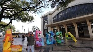 Caixotes de lixo são arte em Lisboa
