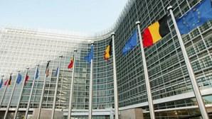 Milhares de pessoas manifestam-se em Bruxelas por melhores condições laborais