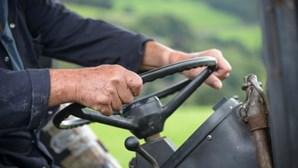 Trabalhador agrícola morre em despiste de trator em Mafra