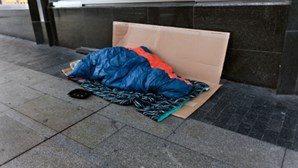 Aprovado plano de ação para quatro mil sem-abrigo