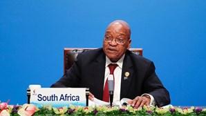 Justiça da África do Sul pede a ex-presidente que escolha a sentença se for condenado