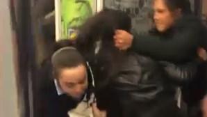 Funcionária e segurança agredidos por mulheres assaltantes
