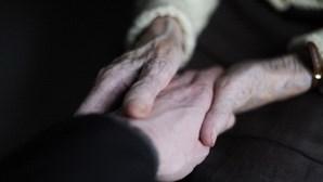 Morte de neurónios pode ajudar doentes de Alzheimer