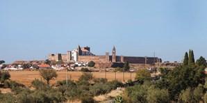 O Castelo de Mourão é o ex-líbris desta localidade alentejana que faz fronteira com Espanha