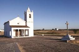 Nova igreja de Nossa Senhora da luz padroeira da Aldeia da Luz