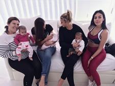 Dolores Aveiro com os netos, a filha Katia e Georgina