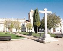 A igreja matriz é um dos locais de visita obrigatória em Alvito