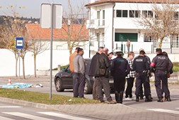 Corpo de Leonor Pomar foi removido pelos Bombeiros Municipais de Viseu para a morgue do hospital