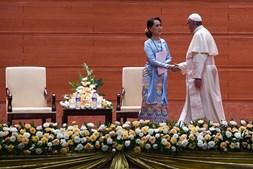 Papa Francisco e Aung San Suu Kyi