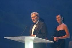 Belmiro de Azevedo com Fátima Lopes, na Gala dos 12 anos da SIC, em 2004