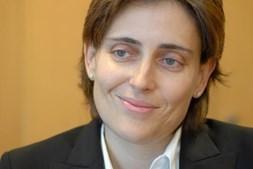 Cláudia Teixeira de Azevedo lidera a Sonaecom