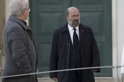 O ministro do Ambiente João Pedro Matos Fernandes à chegada para o funeral de Belmiro de Azevedo