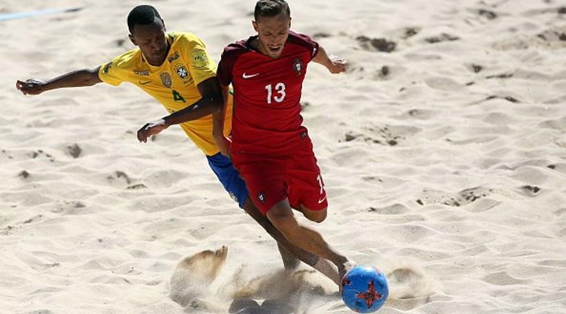 9bc737c904 Portugal perde com o Brasil na final da Taça Intercontinental de futebol de  praia