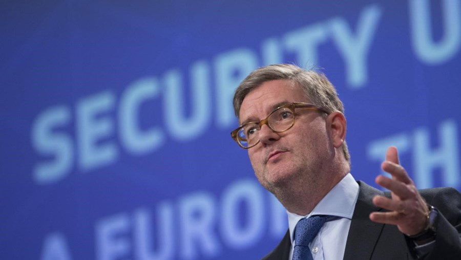 O comissário europeu para a Segurança, Julian King