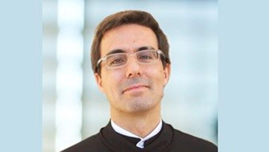 O árbitro Luis Miguel Lucas Pires