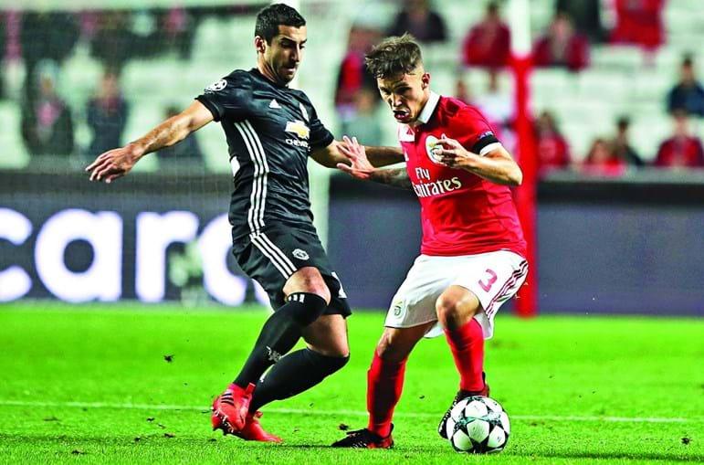 Grimaldo (à direita) continua a ser um dos jogadores mais pretendidos do plantel do Benfica