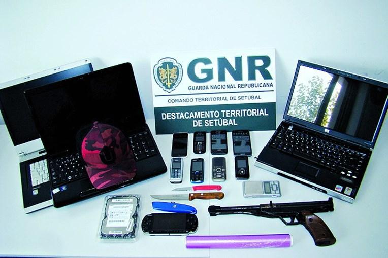 Material apreendido pela GNR