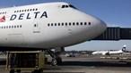 Passageiro tenta invadir cockpit e obriga avião a fazer aterragem de emergência