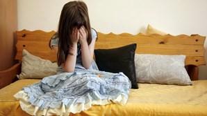 Cadastrado abusa de jovem e alicia menores à prostituição