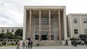 Associação Académica da Faculdade de Direito de Lisboa perde rasto a 100 mil euros