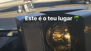Família de Ronaldo viaja de jato até à Madeira e leva Bola de Ouro