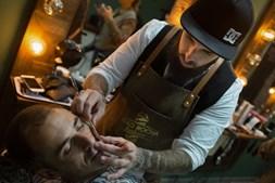 Há uma nova barbearia nos Açores onde o cliente paga o que quer