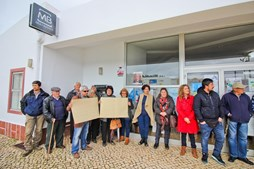 População de S. Bartolomeu de Messines, que ontem protestou, teme ter de passar a ir à Segurança Social em Silves