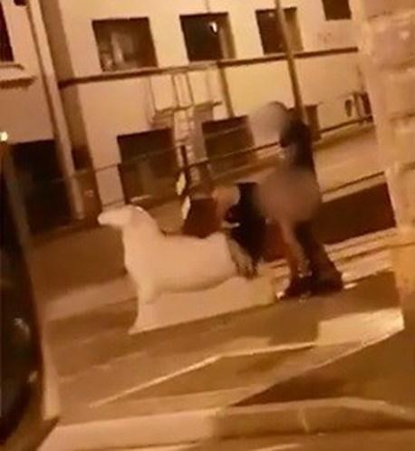 crossdresser casal apanhado a fazer sexo