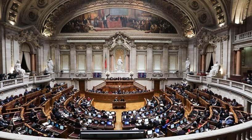 Resultado de imagem para parlamento portugal