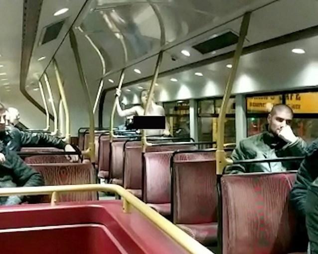 Casal foi filmado a fazer sexo em autocarro