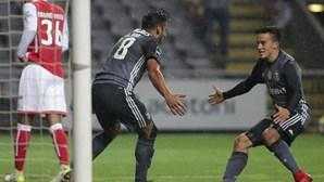Benfica vence em Braga e mantém perseguição aos rivais