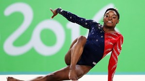 Simone Biles desfalca Estados Unidos em plena final por equipas nos Jogos Olímpicos