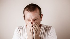 Cuidados com Covid-19 fazem cair mortes por gripe a zero