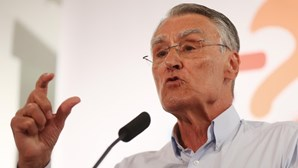 """Cavaco Silva considera que seria """"chocante"""" PSD aprovar reforma das Forças Armadas"""