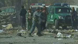 Atentado suicida no Afeganistão faz 23 mortos e 107 feridos