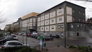 Centro Hospitalar Gaia/Espinho atinge lotação máxima em cuidados intensivos para doentes Covid-19