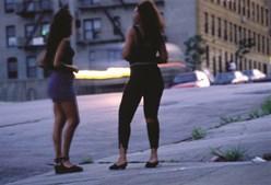 Mulheres com graves dificuldades económicas são traficadas de África para a Europa para exploração sexual