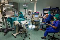 Hospital faz implantes cocleares desde 1985