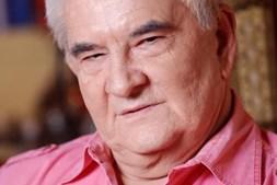 Carlos Castro, de 65 anos, foi assassinado, estava apaixonado por Renato
