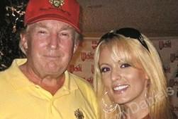Donald Trump com a atriz porno Stormy Daniels