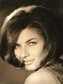 Madalena Iglésias numa foto promocional, no auge da sua beleza