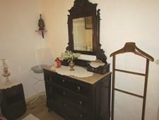Mobiliário dos quartos é o que se usava na década de 50 do século passado