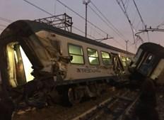 Descarrilamento de comboio provoca três mortos em Milão