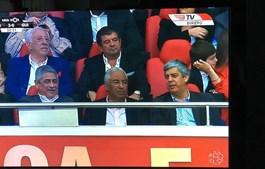 Centeno (à dir.) já disse a Costa que coloca o lugar à disposição se for acusado pelo Ministério Público